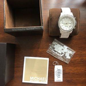 Michael Kors MK5300 White Watch with box